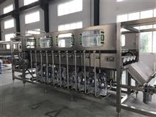 QGF-60018.9L其中的五加仑桶装水生产线