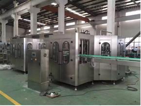 全自动PET含气饮料灌装机生产线