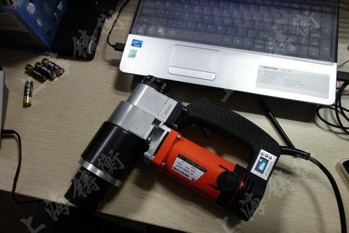 电动扭矩扳手图片